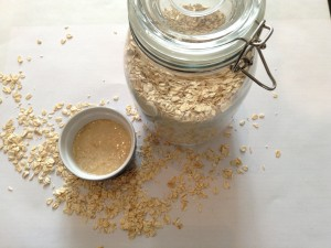 Oatmeal Honey Facial Scrub