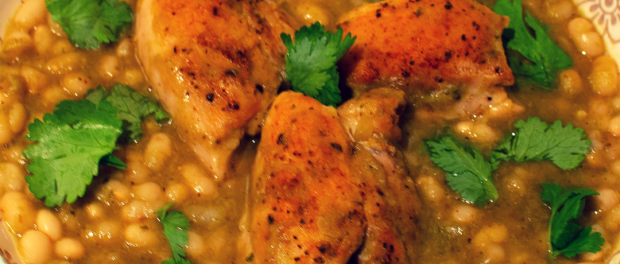 Chicken with white beans in jalapeno sauce